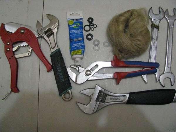 Инструмент для монтажа бойлера