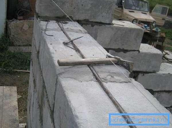 Армирование блочной конструкции.