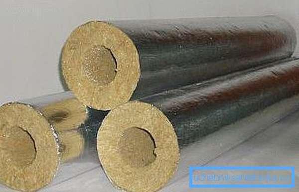 Базальтовые цилиндры удобны в монтаже и весьма эффективны.