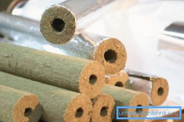 Базальтовый утеплитель для водопроводных труб