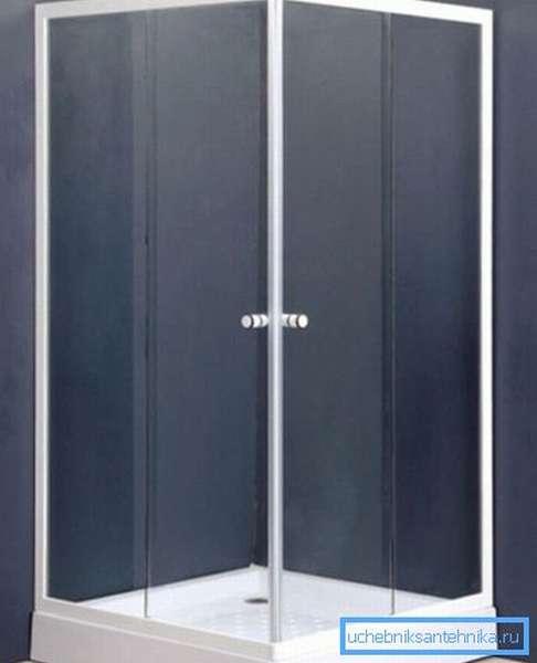 Белый цвет является классическим и применяется в ванных комнатах очень широко