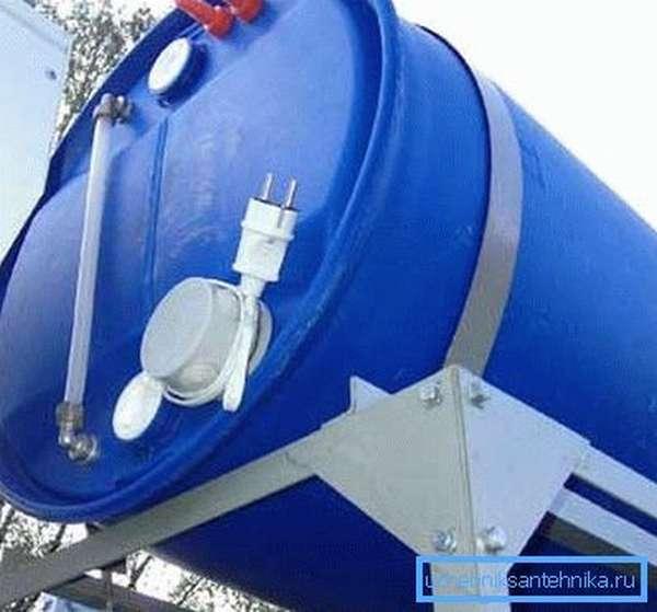 Бочка для дачного душа с подогревом дополнительно оснащается и системой контроля уровня воды, чтобы вы видели, сколько ее осталось