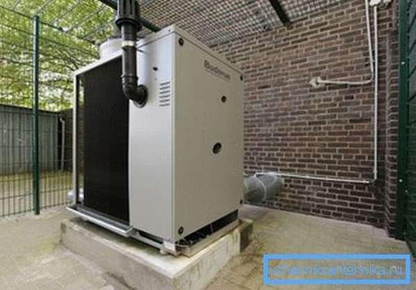 Buderus Logatherm способен обеспечить дом теплом и горячей водой.