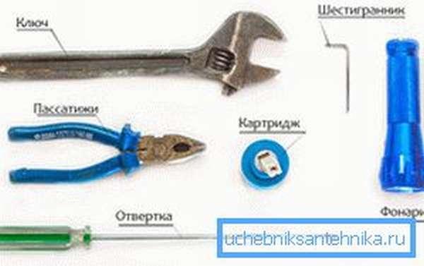Чтобы произвести ремонт кранов кухонных вам будет нужен инструмент