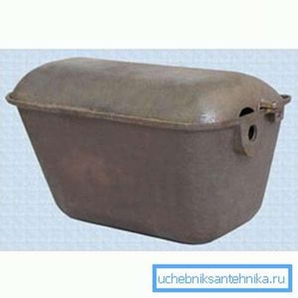 Чугун – не самый удачный вариант для бачка, в свое время его использовали потому, что цена была небольшой