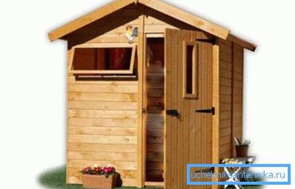Дачный душ можно сделать таким, чтобы он сочетался с остальными постройками на участке