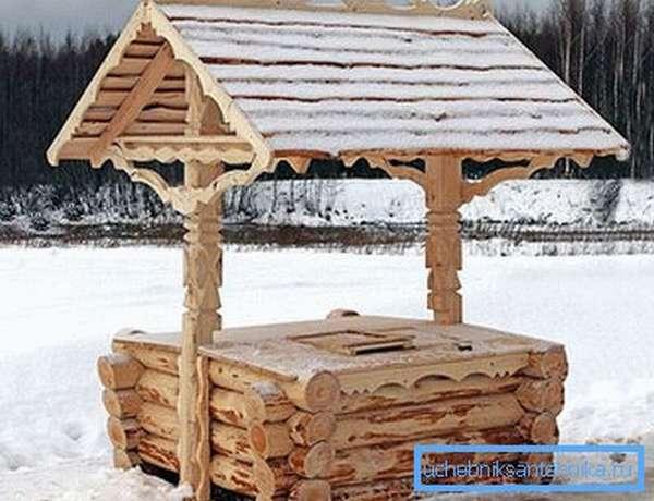 Декоративный домик для колодца