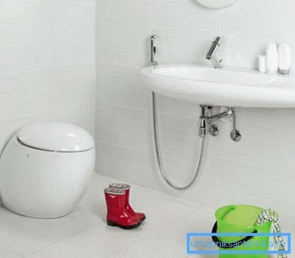 Дизайнерские комплекты изначально включают в себя все необходимые элементы, выполненные в единой стилистике
