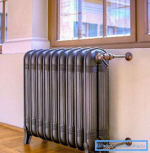 Дизайнерский радиатор, которые не столько греет, сколько украшает комнату