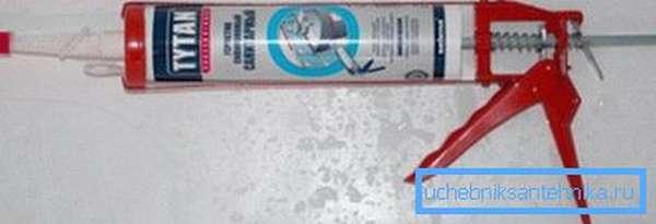 Для надежности соединений следует использовать герметик