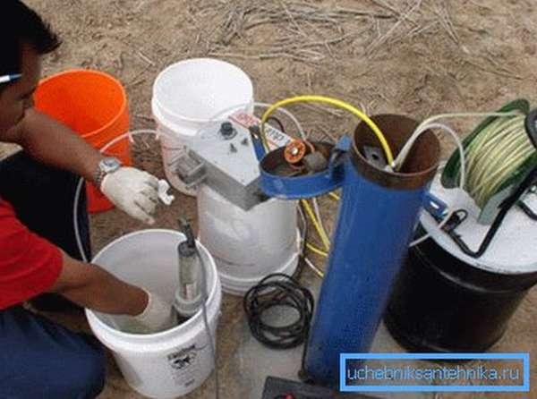 Для обеспечения бесперебойного подъема воды из скважины очень важно правильно подобрать насосное оборудование.