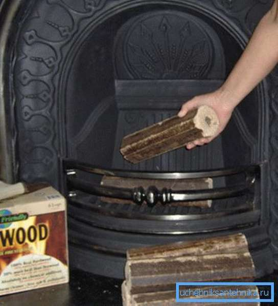 Для очистки следует сжечь специальный брикет в топке