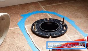 Для унитаза с вертикальным сливом отверстие канализации должно располагаться в полу