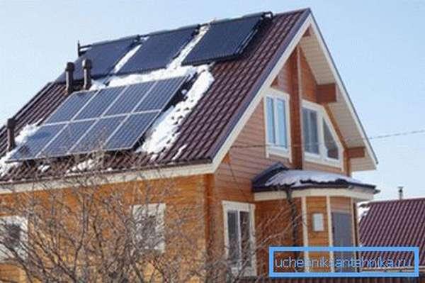 Дом с солнечными коллекторами