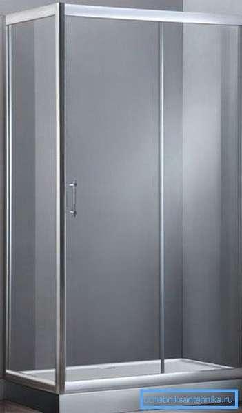 Душевой уголок с поддоном 120х80 – вместительный вариант для просторных ванных комнат