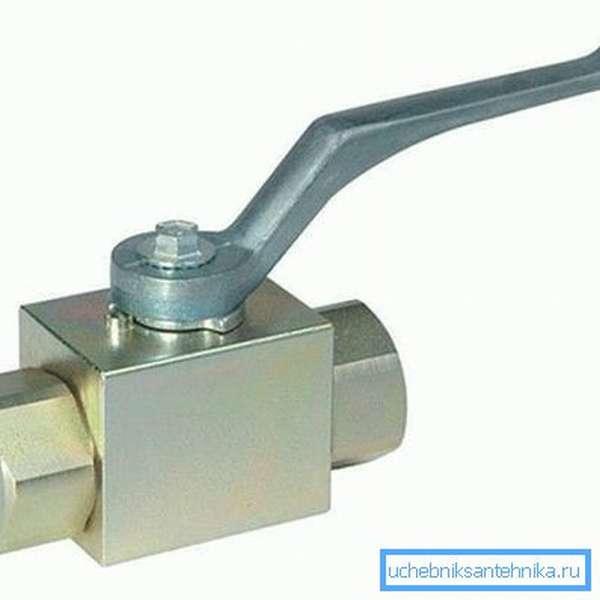 Двухходовой вентиль для воды из стали, способен выдерживать давление до 350 атм