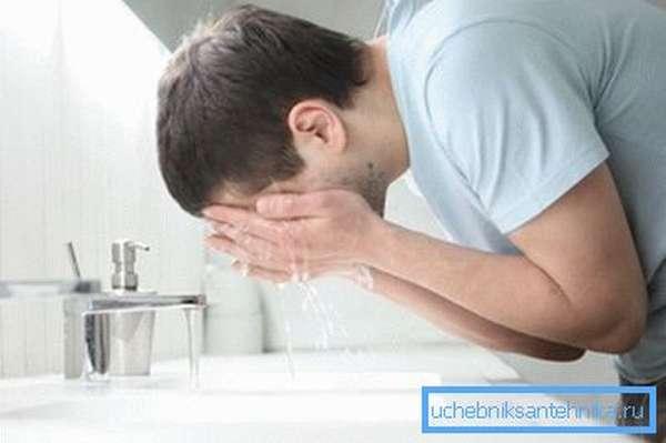 Эксплуатация краника в ванной
