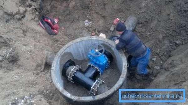Эксплуатация новой магистрали водоснабжения начинается... с ее промывки.