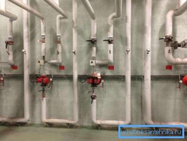 Эксплуатация системы отопления жилища предусматривает ее периодическую промывку от накипи и минеральных отложений