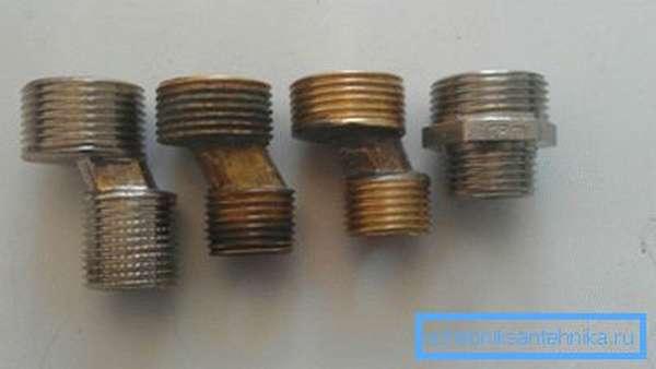Эксцентрики разного размера для монтажа смесителя