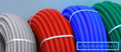 Эластичные изделия чаще всего продаются в бухтах, это также зависит от используемых диаметров труб
