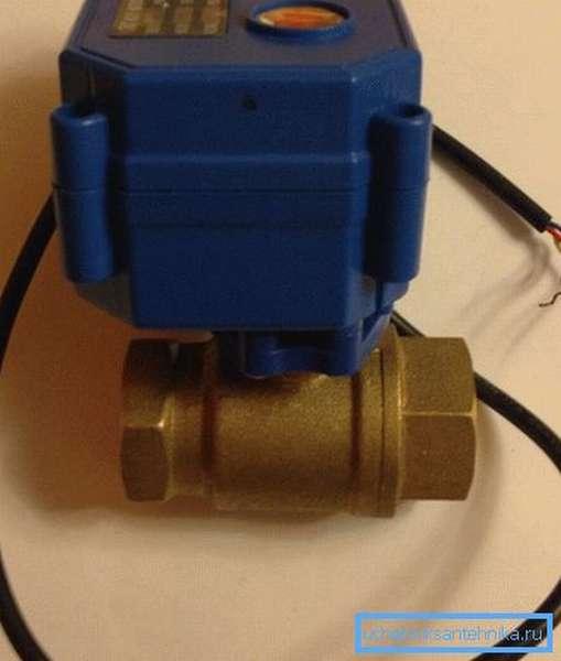 Электрический шаровый кран для воды перед установкой