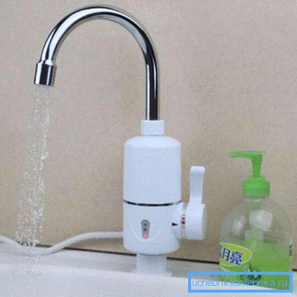 Электро водонагревательный кран для санузла