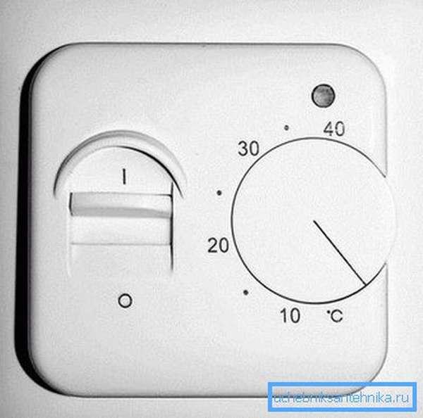 Электромеханический терморегулятор.