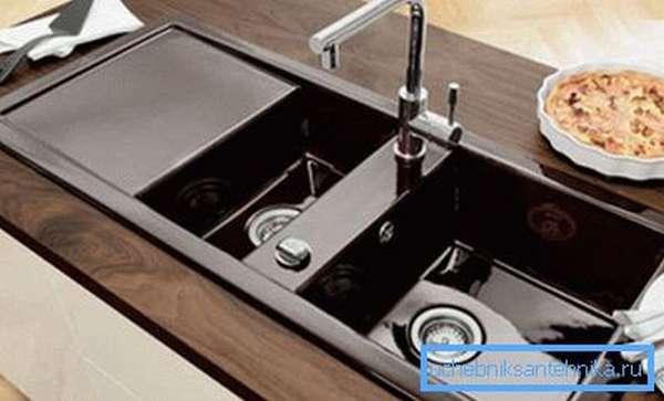 Эмалированная двойная кухонная мойка