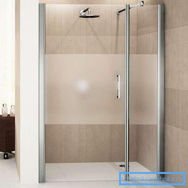 Если конструкция будет устанавливаться в нишу, то может быть использована и одинарная распашная дверь
