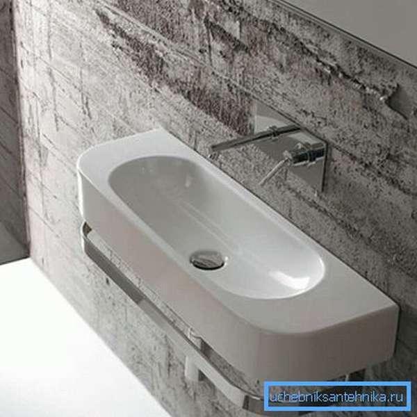 Фарфоровый резервуар для мытья рук
