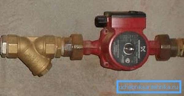 Фильтр, встроенный в водопровод