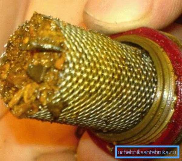Фильтр защитит керамику от песка и окалины.