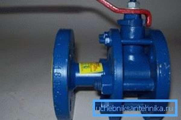 Фланцевый вентиль может быть установлен на место чугунной задвижки без адаптации трубопровода.