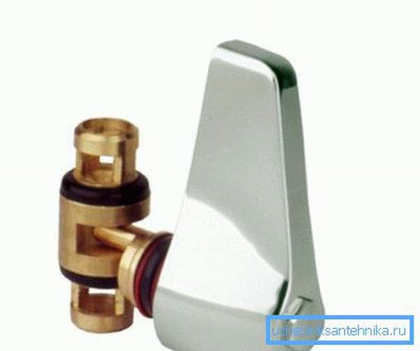 Фото демонстрирует устройство современного рычажного переключателя.