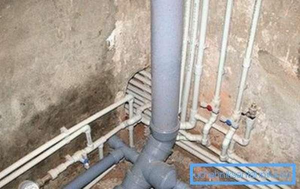 Фото квартирной канализационной разводки