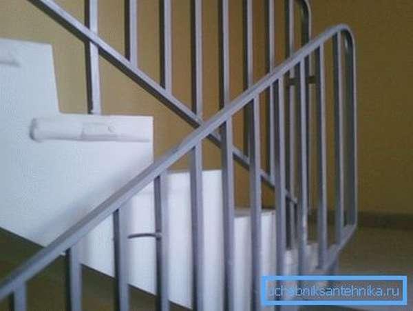 Фото лестничного ограждения, изготовленного сварным способом