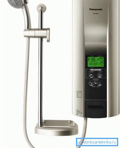Фото проточного нагревателя с душевой лейкой