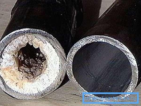 Фото засорившейся и прочищенной трубы