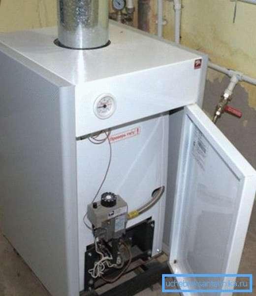 Газовые энергонезависимые котлы отопления напольного типа с пьезорозжигом