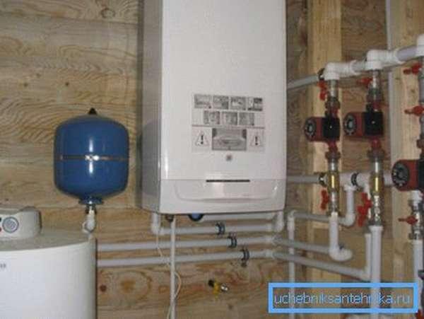 Газовые котлы отопления для дачи позволяют автоматизировать регулирование температуры воздуха в помещениях