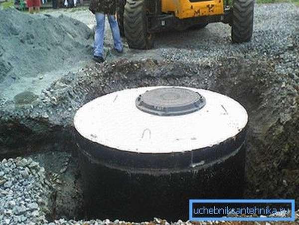 Герметичная яма из бетонных колец
