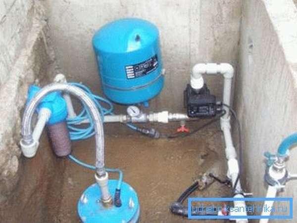 Гидроаккумулятор и управляющая аппаратура в кессоне