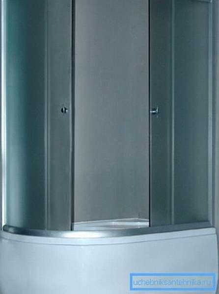Глубокий душевой поддон 120х80 может входить и в состав уголка, то есть конструкции без внутренних стенок