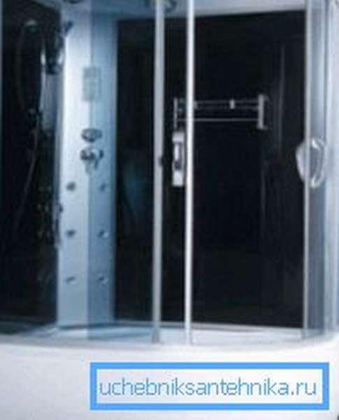 Глубокий поддон для душевой кабины 120х80 см может заменять собой ванну