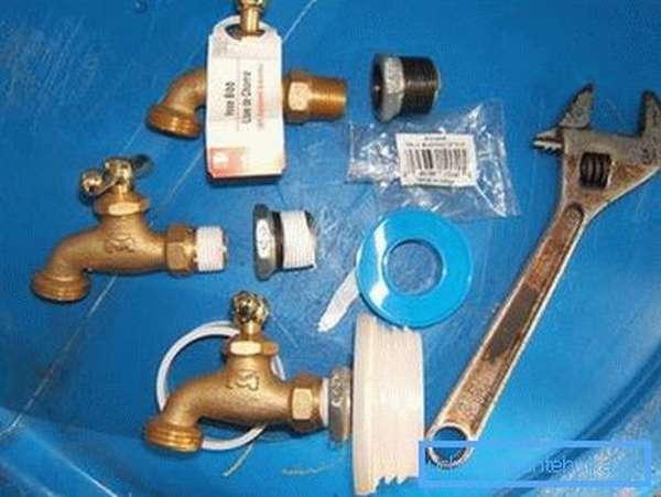 Инструменты и материалы для изготовления бочки с краном