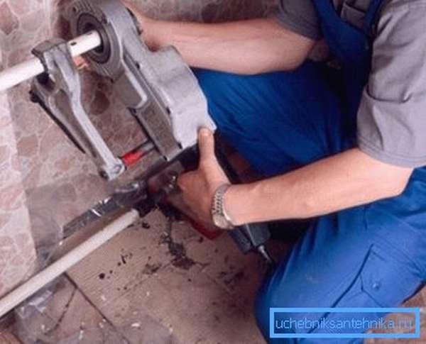 Использование электрического клуппа