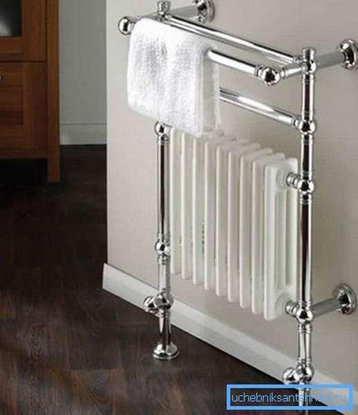 Используя хромированные водопроводные трубы легко выделить какой-либо элемент в интерьере помещения