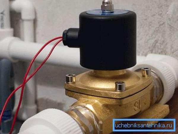 Изделие, подключенное в систему отопления для удаленного или автоматического контроля