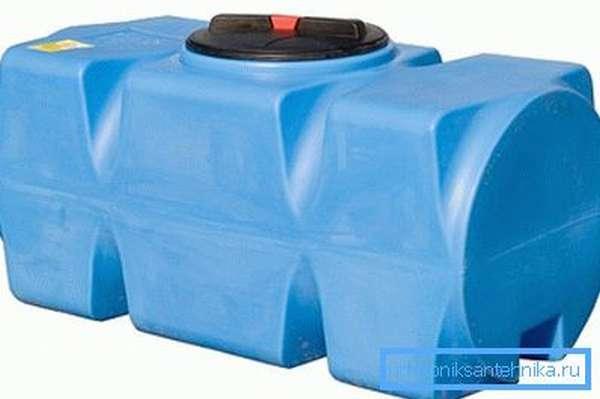 Изделие вмещает до 500 л жидкости.